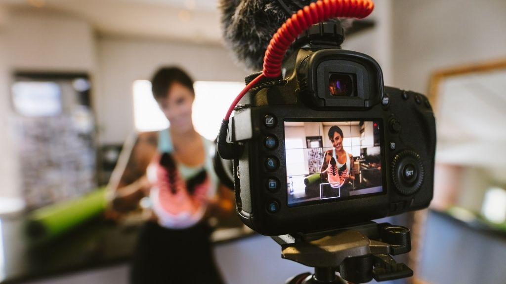 Fidelizza i clienti con i video